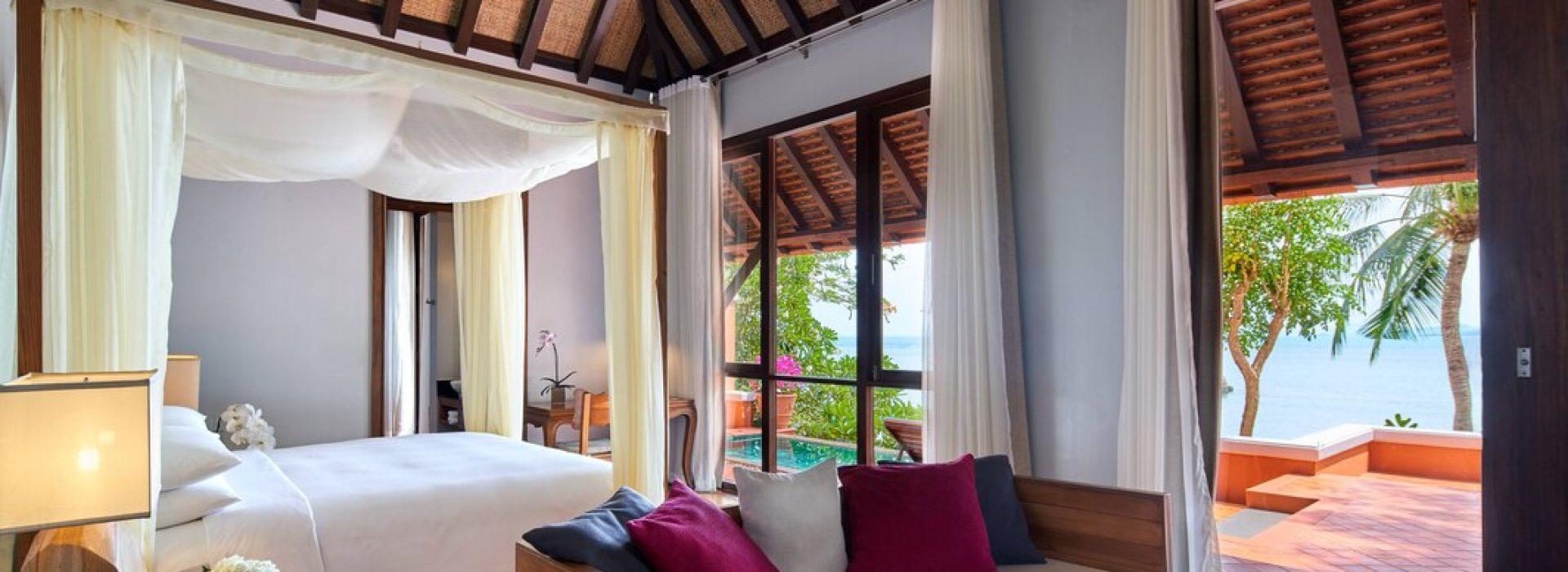 usmbr-beachfront-bedroom-9336-hor-wide